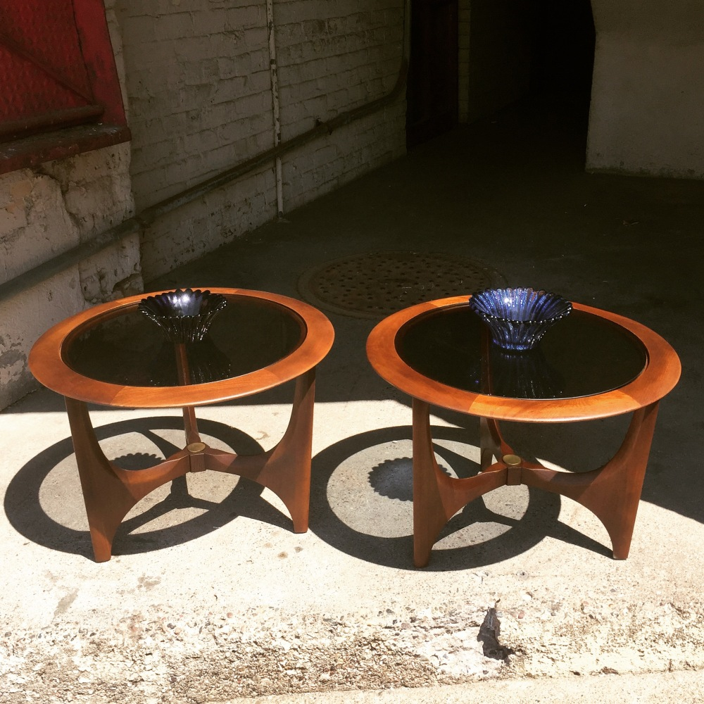 Lane Furniture - Silhouette - round table - mid-century furniture