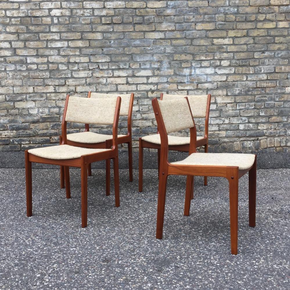 Danish modern dining chairs - dScan