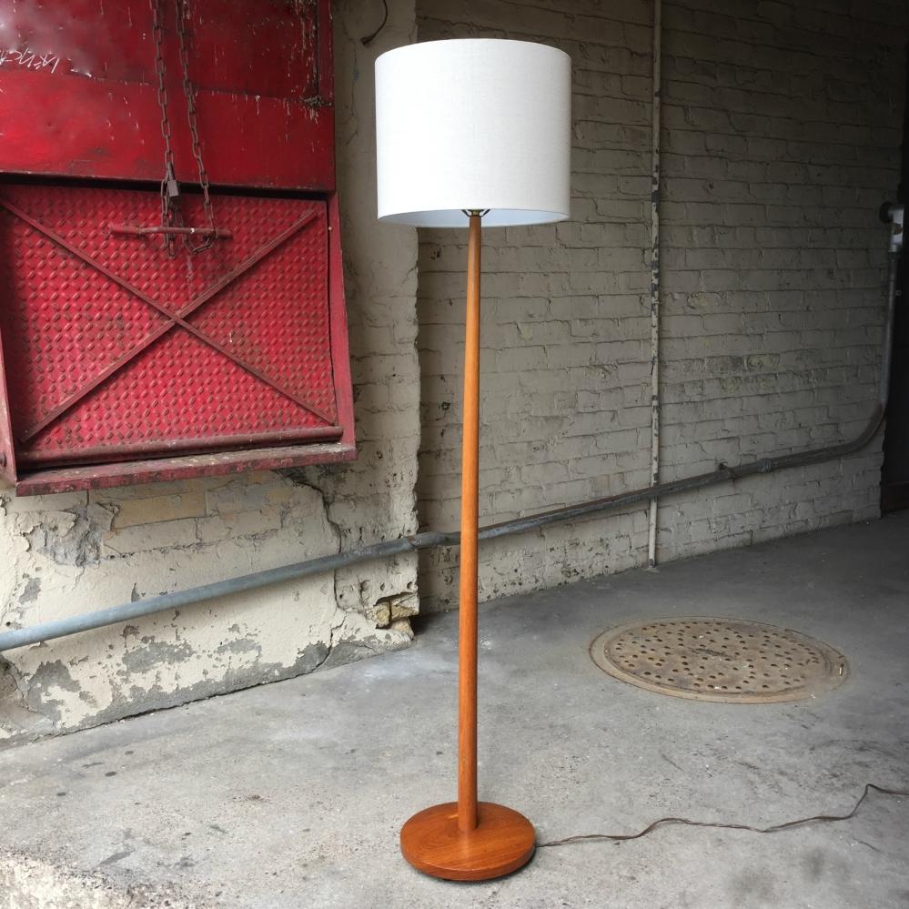 MMM_lamp-floor_Martz_1