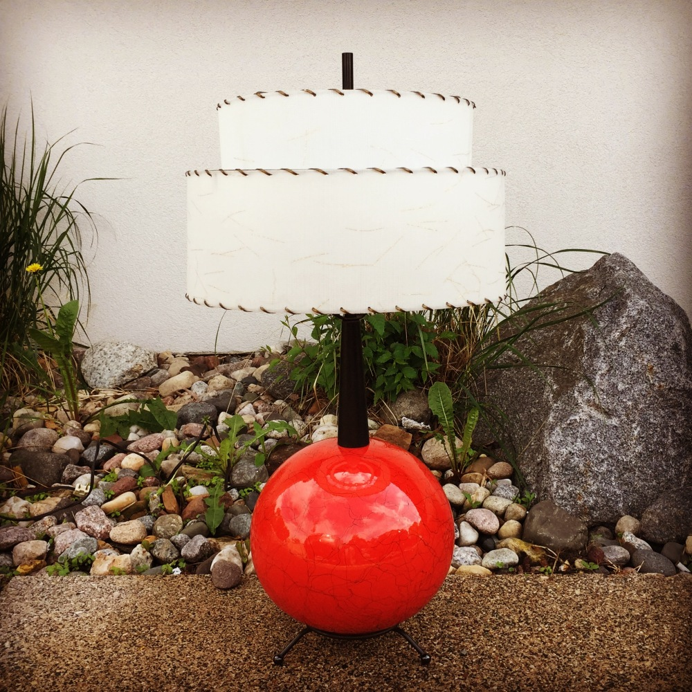 NNK_lamp_atomic-red_1