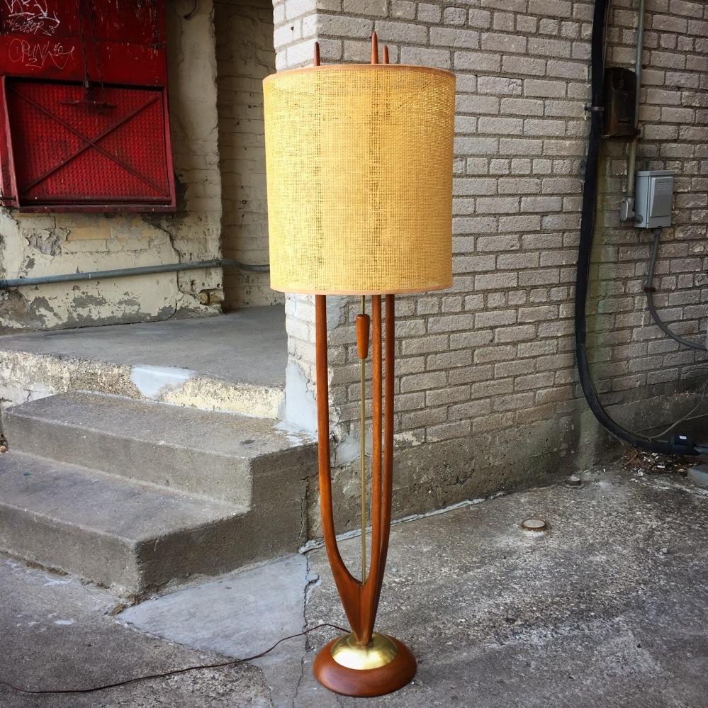 Modeline floor lamp