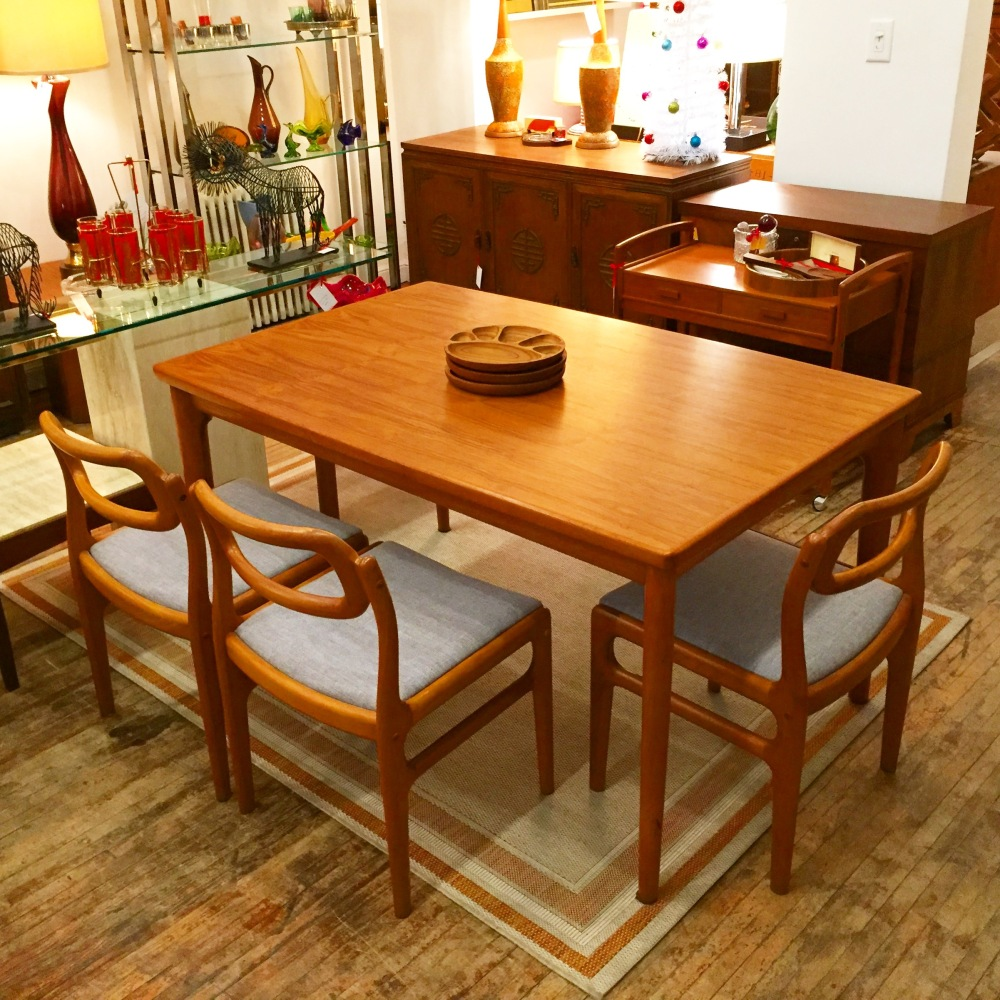 Danish teak dining set - Paul Volther style table