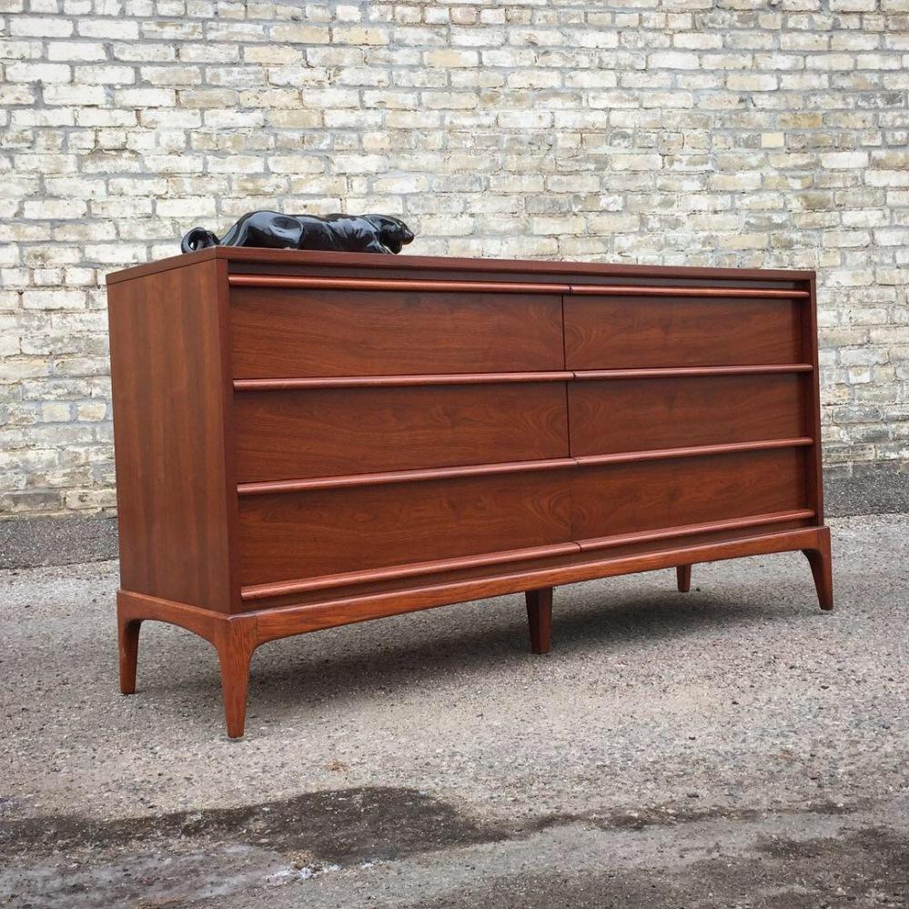 Lane Furniture Rhythm series 6-drawer dresser