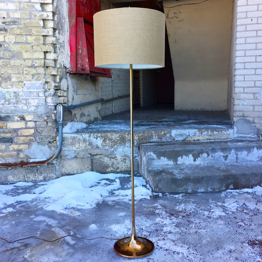 Laurel trumpet floor lamp