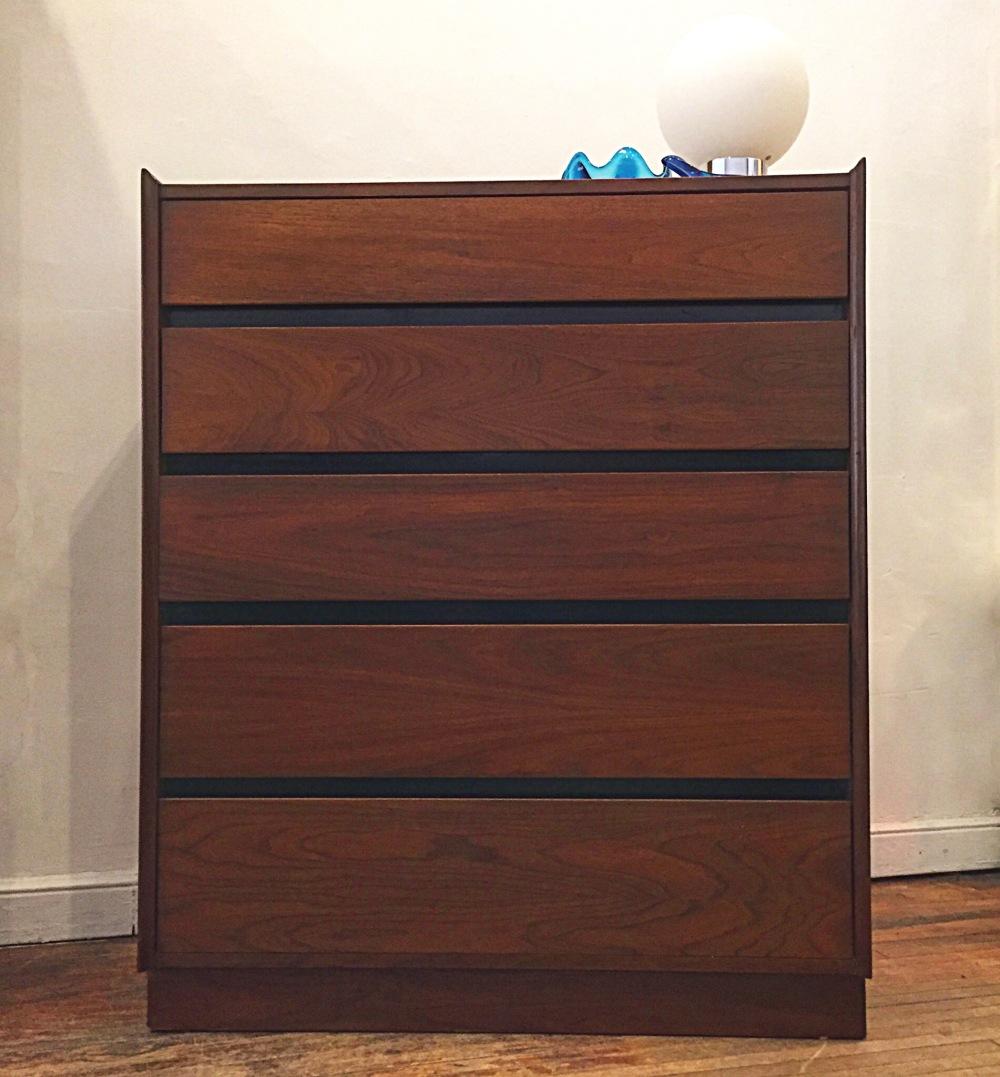Dillingham Esprit walnut 5-drawer chest
