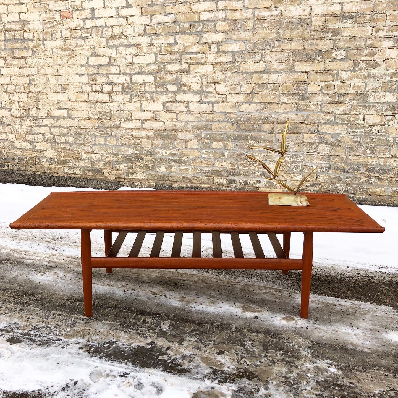 Grete Jalk teak coffee table - Glostrup Møbelfabrik
