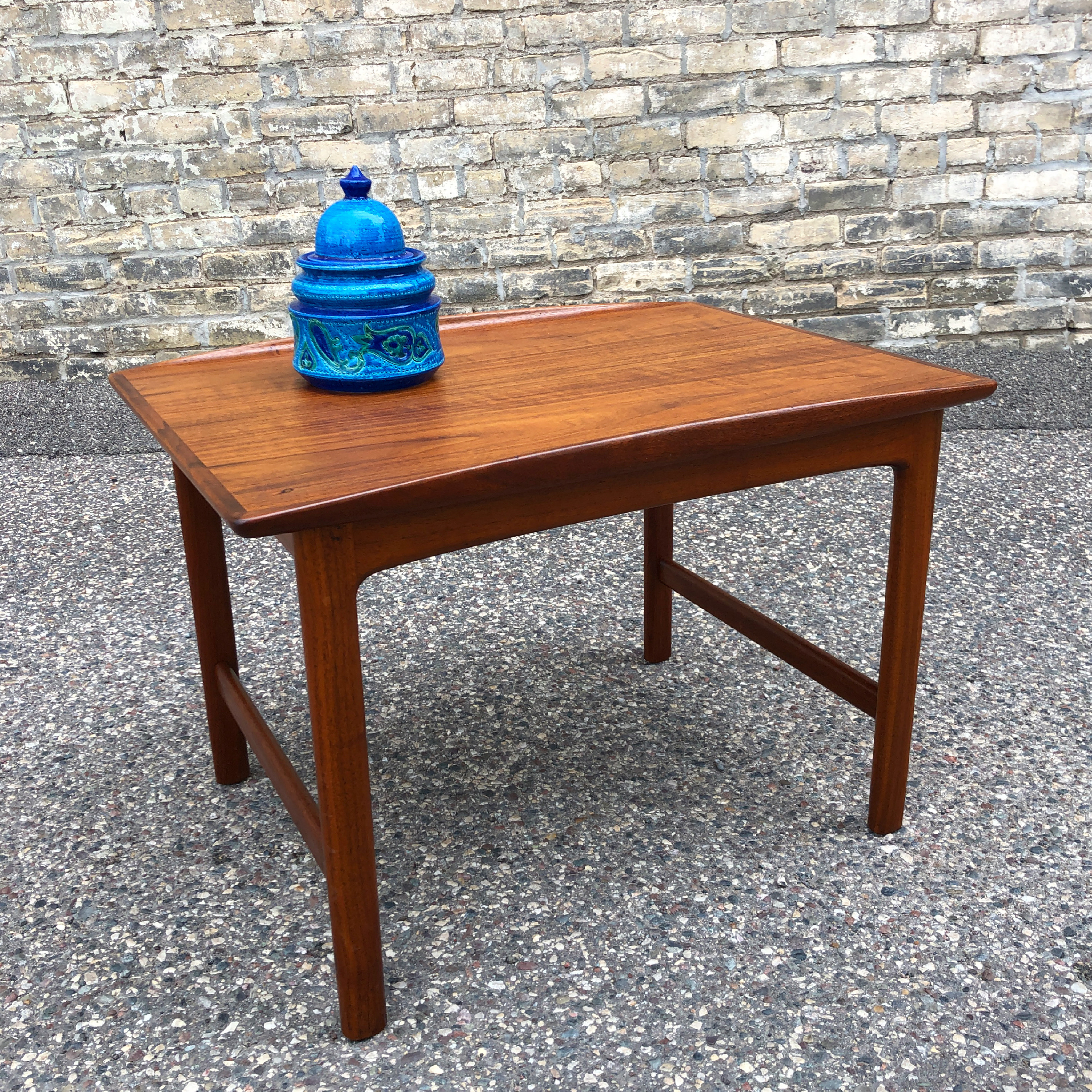 Folke Ohlsson for DUX accent table