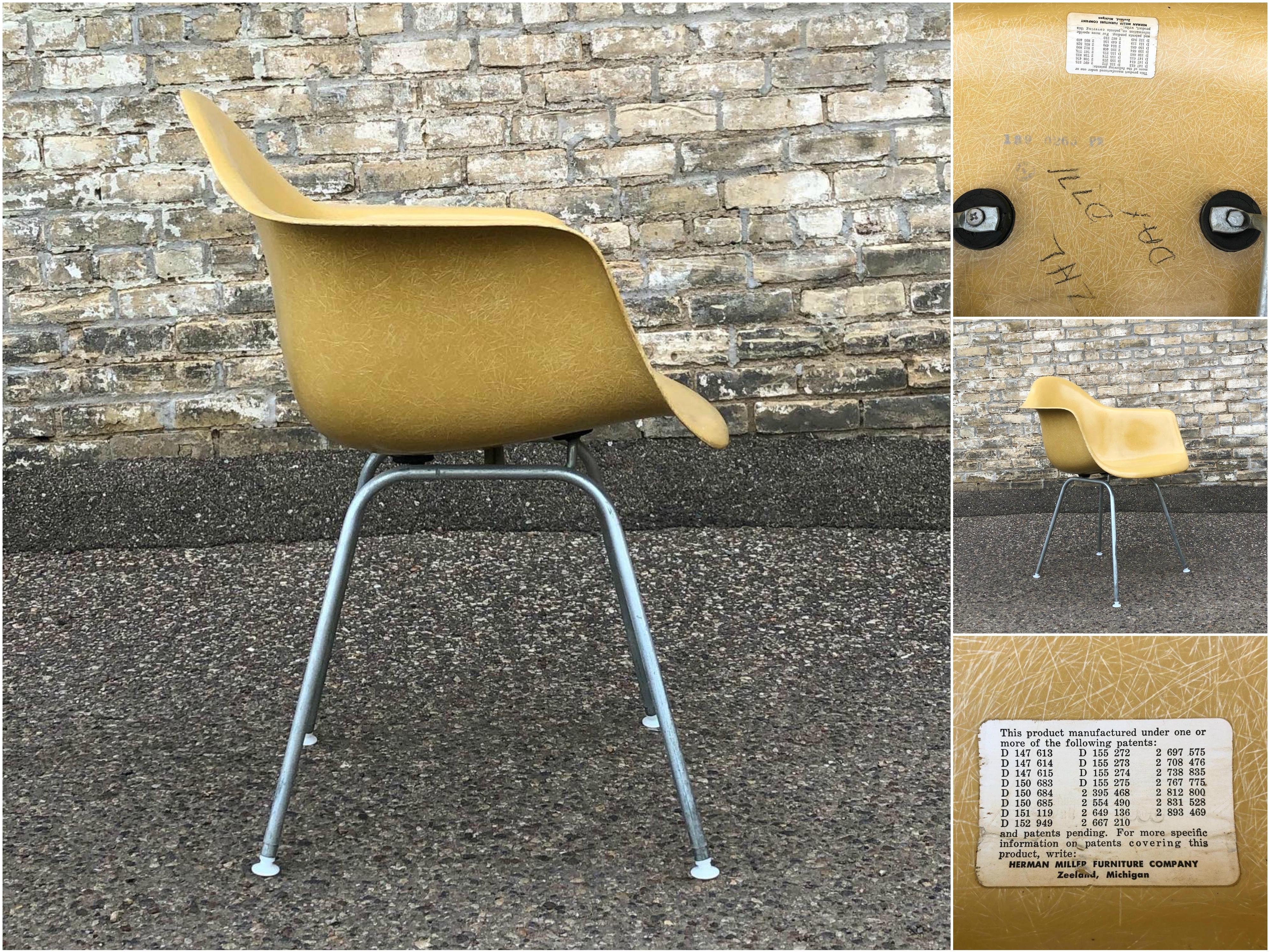 Eames fiberglass DAX chair - Herman Miller - ochre-light