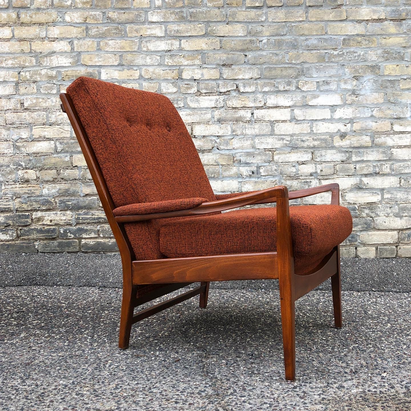 NNK_chairs_tall-back_Bernhardt-Scatter-Chili_3