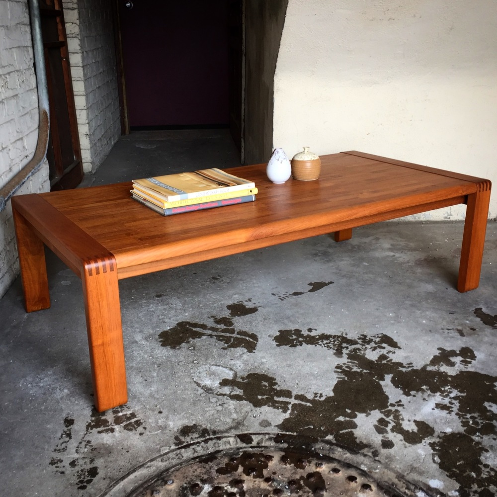 dScan teak coffee table