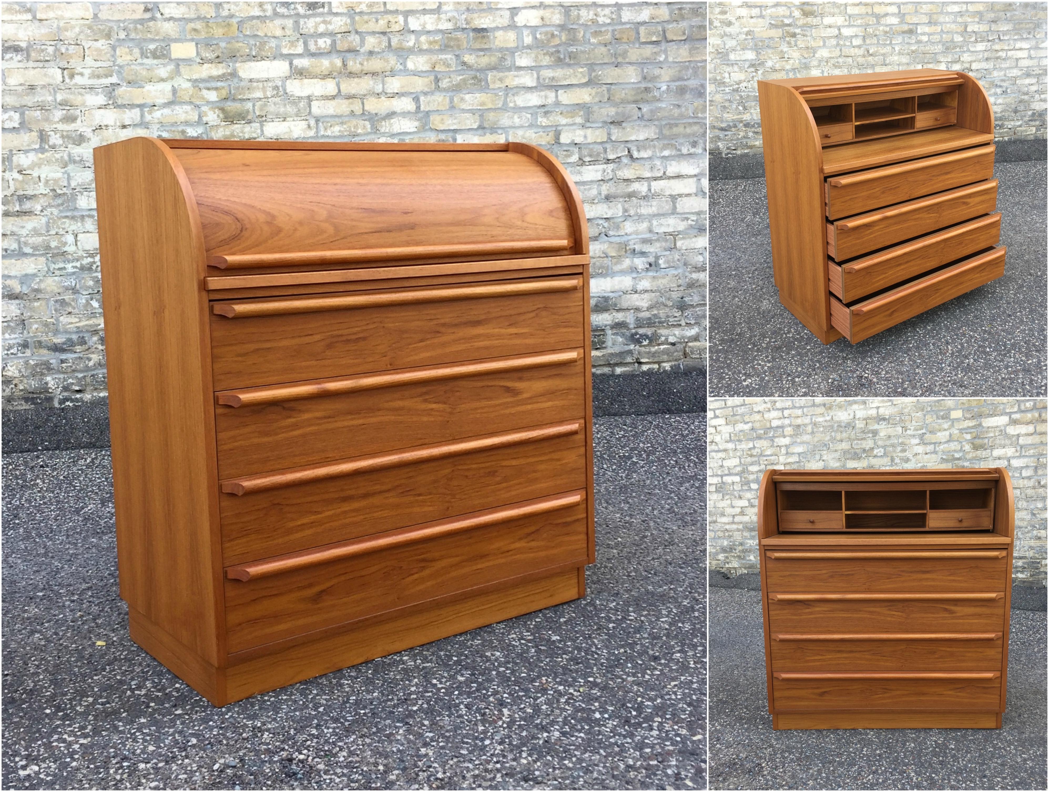 Drum top teak secretary desk | made in Denmark