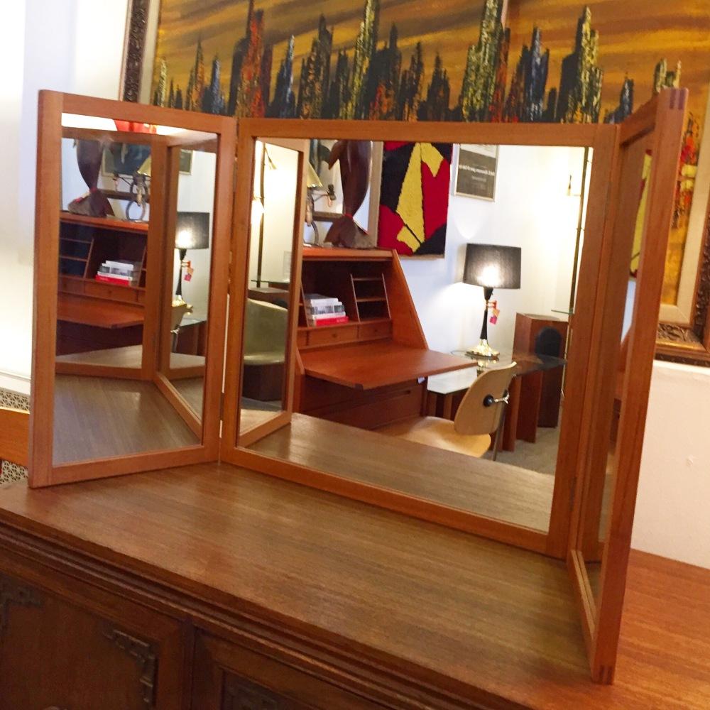 Aksel Kjersgaard tri-fold mirror - teak frame