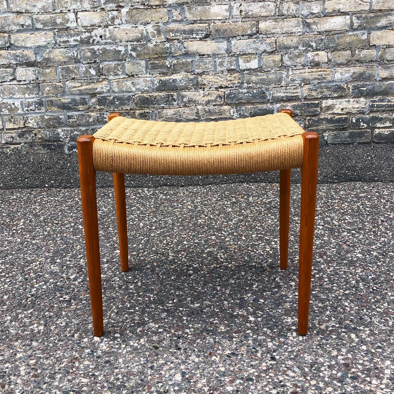 Niels Moller Model 80A stool